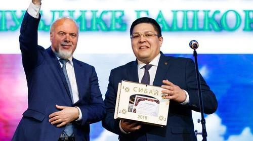 Рустем Афзалов (справа)